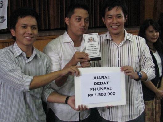 Juara I Lomba Debat Hukum Road To PLF 2009